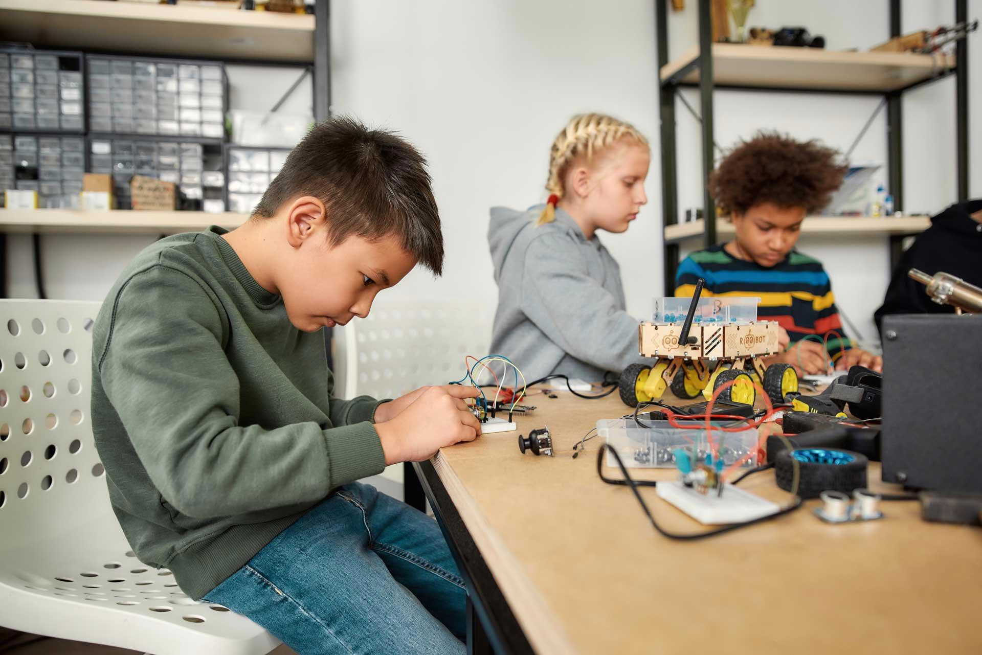 Zajęcia dodatkowe z mechaniki dla dzieci w szkole
